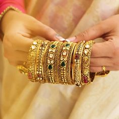 Bangle Designs every Bride-to-be will Instantly fall in love with! Up your bridal charm with the colorful gems ! The Bangles, Bridal Bangles, Diamond Bracelets, Silver Bracelets, Bracelets Or, Bracelets Design, Gold Bangles Design, Gold Jewellery Design, Antique Jewellery