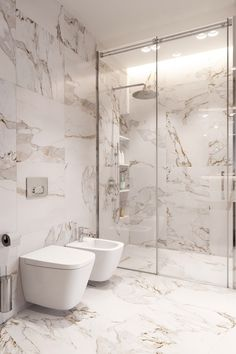 Renovation featuring Phillip Jeffries, the world's leader in natural, tex… – Marble Bathroom Dreams Washroom Design, Bathroom Design Luxury, Bathroom Layout, Modern Bathroom Design, Bathroom Ideas, Modern Master Bathroom, Small Bathroom, Master Baths, Bathroom Design Inspiration