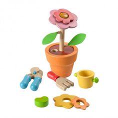 Maak van een klein zaadje een mooie bloem! Op een speelse manier leer je de verschillende stadia van het groeiproces kennen. In de set zit alles wat je nodig hebt: zaad, grond, gieter, schep,...