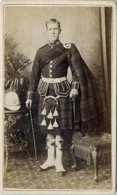 Argyll & Sutherland Highlander. Pietermaritzburg, Natal c.1880 Zulu War Tartan Men, Scottish Dress, British Uniforms, Men In Kilts, Highlanders, British Army, World War I, Military History, Victorian Era