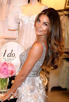 Lily Aldridge. Prrrfect hair.