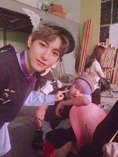 renjun x chenle Nct 127, Winwin, Taeyong, Jaehyun, Kpop, Nct Chenle, Huang Renjun, Jung Woo, Entertainment