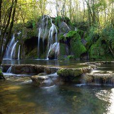 Cascade des Tufs - Jura - France | Les 30 plus beaux endroits de France à découvrir par Trivago | #JuraTourisme