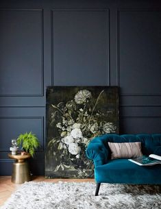 What lamp for my living room? Navy Living Rooms, Dark Blue Living Room, My Living Room, Living Room Decor, Peacock Living Room, Bedroom Paint Colors, Room Colors, Wall Colours, Dark Blue Bedrooms