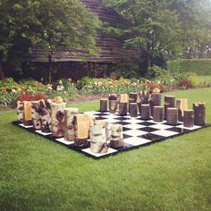 Birch and oak log chessset