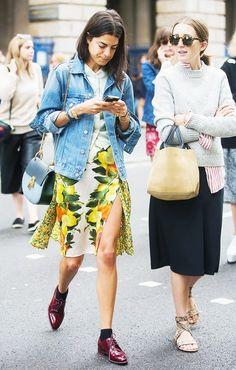 Leandra Medine looks adorable in a Stella McCartney skirt, Acne denim jacket, and a Chloe chain shoulder bag. Leandra Medine, Fashion Week, Love Fashion, Girl Fashion, Fashion Looks, Fashion Trends, Silhouette Mode, Fashion Silhouette, Chloé Bag