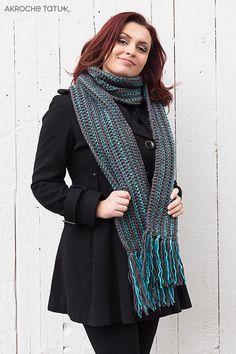 Crochet scarf pattern  Patron Foulard au crochet Crochet Chain, Crochet Scarves, Double Crochet, Single Crochet, Adobe Reader, Girly Drawings, Document, Turquoise, Yarn Needle