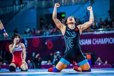 Myong Suk JONG (PRK) vs. Ningning RONG (CHN), Womens Wrestling 57kg.  Photo by Sachiko Hotaka. Olympic Wrestling, Women's Wrestling, Sport Photography, Olympics, Cool Pictures, Competition, Sporty, Running, Photo And Video