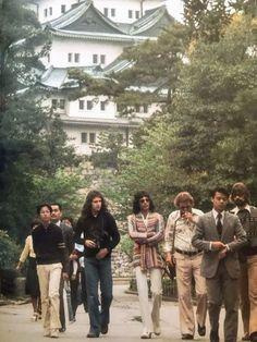 Queen Photos, Queen Pictures, Brian May, John Deacon, I Am A Queen, Save The Queen, Band Tumblr, Estilo Jackie Kennedy, Queens Wallpaper