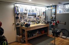 Bikerumor Workshop set up (1)