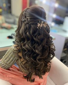 that Down Hairstyles For Long Hair, Open Hairstyles, Bride Hairstyles, Amazing Hairstyles, Hairstyles For Sweet 16, Hairstyle For Curly Hair, Quince Hairstyles, Braided Hairstyles For Wedding, Long Hair Wedding Styles
