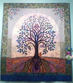 ROOTS Blue Celtic Tree - Shelley Bertlels and The McQuilters. Best of Show, 2013 Capital City Quilt Show (Florida) Celtic Patterns, Celtic Designs, Quilting Projects, Quilting Designs, Quilting Ideas, Celtic Quilt, Fiber Art Quilts, Celtic Art, Celtic Dragon
