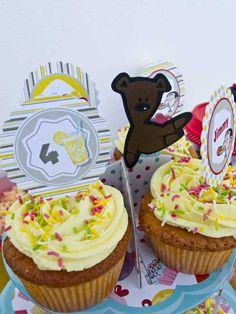 παρτυ Mr Bean cupcakes Mr Bean Birthday, Birthday Parties, Kids Party Themes, Party Ideas, Mr Bin, Beans, Cupcakes, Desserts, Food