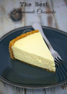 The Best Homemade Cheesecak: get the secret for the lightest and fluffiest cheesecake ever.
