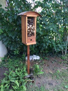 Hôtel à insectes par Peiot sur L'Air du Bois