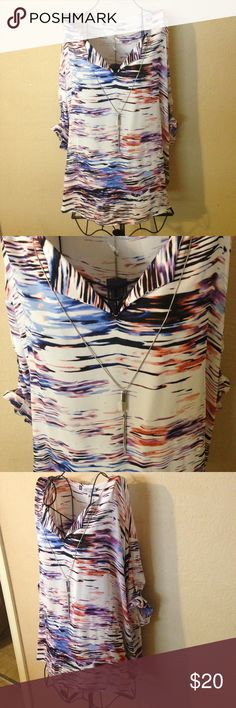 🎉Gorgeous Jennifer Lopez fashion blouse 3X look🎉 Very pretty blouse new with tags it has a removable necklace that comes with so nice but know don't miss out !! Jennifer Lopez Tops Blouses