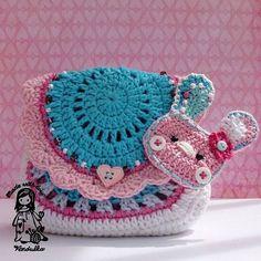 Doteky jarního slunce (kabelka) - pattern for purchase Crochet For Kids, Crochet Baby, Knit Crochet, Crochet Toys, Kawaii Crochet, Crochet Patterns For Beginners, Crochet Purses, Knitted Bags, Crochet Gifts