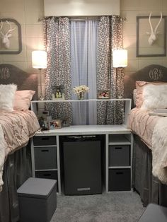 24 College Dorm Room Decor a Girly Girl Will For Sure Adore 18 College Dorm Rooms adore college DECOR Dorm Girl girly Room – Dorm Room College Bedroom Decor, College Dorm Decorations, College Dorm Rooms, Room Decorations, Christmas Decorations, Dorm Room Storage, Dorm Room Shelves, Cute Dorm Rooms, Girl Dorm Rooms
