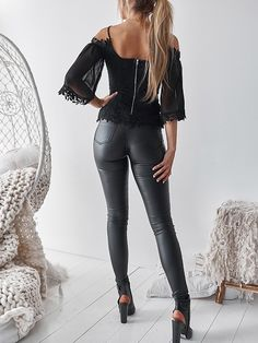 Cold Shoulder Guipure Lace Zipper Back Blouse - Willy Augenstein - Damenhosen Shiny Leggings, Tight Leggings, Cheap Leggings, Chic Type, Pants For Women, Clothes For Women, Pattern Fashion, Shirt Blouses, Leather Pants