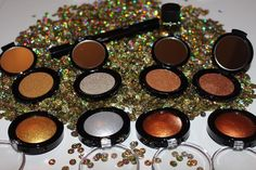 The EVERYTHING Kit!! You can see all the swatches of the Pat McGrath Metalmorphosis 005 collection on www.reallyree.com #bbloggers #beauty #makeup #patmcgrath #patmcgrathlabs005 #metalmorphosis005 #everythingkit #swatchfest