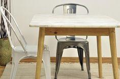¿#Mármol y #acero, materiales fríos? Mesa de mármol Ibiza y madera de aliso. En http://cubedeco.com #decoración
