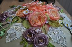 Roses and Lace silk embroidery by Irina Kruts (ирина круц) from Kiev in the Ukraine. Posted on Di van Niekerk's blog.