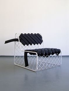 Unique chair design resource to help you become lovely Vintage Industrial Furniture, Funky Furniture, Design Furniture, Classic Furniture, Unique Furniture, Chair Design, Furniture Removal, Furniture Stores, Furniture Buyers