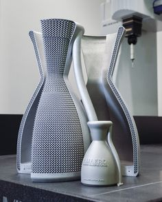 Marten Jurg, an engineer at Software company Betatype reimagined the design of the rocket engine using additive manufacturing. He integrated a lattice structure into the outer wall of the engine, creating an even cooling effect and decreasing the temperature of the engine