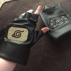 Finally got my Kakashi gloves! They're a little big but nothing a little sewing can't fix.  Now I just need his basic pants and shirt.  . Have a good day everyone!  . #cosplay#cosplayer#cosplayprops#girlswhocosplay#girlswhocosplaydoitbetter#kakashi#kakashihatake#kakashihatakecosplay#kakashiprops#naruto#anime#manga#tnt#tnt2016#tntplans#konoha#leafvillage#gloves#recentcosplays#nejihyuga#Sesshomaru#kanekiken