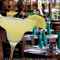 Todas las tardes son para disfrutar en pareja o amigos en Angus Brangus, exquisitas bebidas: cócteles, sangrías y picadas para compartir.     Reserva: 2321632.  Cra. 42 # 34 - 15 / Km. 1 Vía las Palmas.