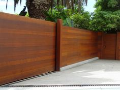 A horizontal fence panels is an attractive addition to any garden or backyard. Allow horizontal trellis vines and creepers grow to fruition so that fruit Attractive Horizontal Fence Panels Wood Fence Gate Designs, Wood Fence Gates, Concrete Fence, Fence Ideas, Cedar Fence, Gabion Fence, Fence Planters, Fence Stain, Bamboo Fence