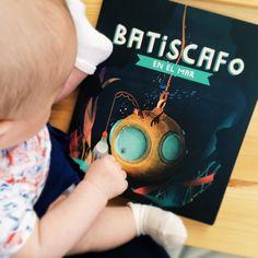 Ya tenemos a Batiscafo en casa y en la tienda. No se si el peque se entera de algo pero la madre se lo está pasando pipa. Libro de 7 cuentos disponible en www.oliviatheshop.com (oliviasoaps's photo on Instagram)