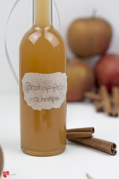 Christmas baked apple schnapps quickly made yourself juliamalia - Drink Types Limoncello Cocktails, Vodka Cocktails, Refreshing Cocktails, Cocktail Cake, Cocktail Making, Cocktail Drinks, Apple Brandy, Lime Soda, Schnapps