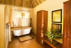 Kafunta River Lodge suite bathroom.