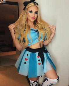 Halloween Make, Halloween Outfits, Costume Alice, Fantasias Halloween, Group Costumes, How To Make Hair, Alice In Wonderland, Skater Skirt, Harajuku