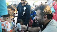 PROMOVENDO LINKS: Homem distribui brinquedos em Aleppo cruzando a pé...