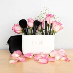 Spring 2018 Collection New Mary Kay Brush Collection