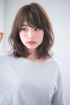 Shaggy Blonde Waves - 40 Picture-Perfect Hairstyles for Long Thin Hair - The Trending Hairstyle Long Thin Hair, Short Hair With Bangs, Hairstyles With Bangs, Short Hair Cuts, Hair Cuts Asian, Asian Hair Bangs, Asian Haircut, Asian Short Hair, Haircut Short