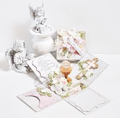 Ślubnie i komunijnie / Wedding And First Communion Diy And Crafts, Arts And Crafts, Paper Crafts, First Communion Cards, Baby Shower Baskets, Paper Purse, Heart Painting, Magic Box, Exploding Boxes