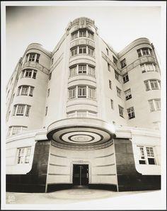 Art Deco Treasures | MCNY Blog: New York Stories blog.mcny.org700 × 885Buscar por imágenes (New York, N.Y.) 888 Grand Concourse. Apartment building.