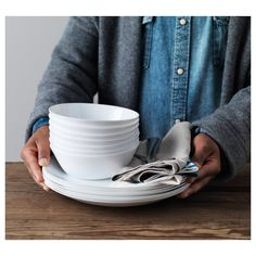 OFTAST Bowl and Plates - IKEA Made of tempered glass, which makes the bowl durable and extra resistant to impact. First Apartment, Apartment Living, Recycling Facility, Four Micro Onde, Ikea Family, Christmas Planning, White Dinnerware, Container Organization, Bowls