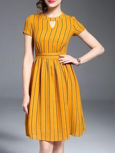 Girls Frock Design, Long Dress Design, Dress Neck Designs, Stylish Dress Designs, Designs For Dresses, Stylish Dresses For Girls, Frocks For Girls, Western Dresses For Girl, Simple Dresses