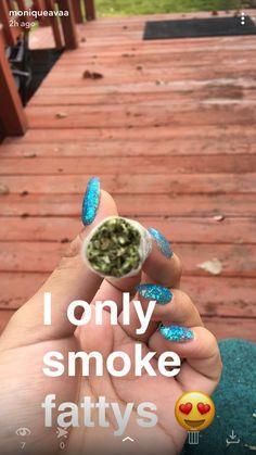 Damm right girl ☝️👌🏻 Weed Bong, Puff And Pass, Up In Smoke, Stoner Girl, Best Candy, Smoking Weed, Ganja, Smoke Weed, Herbs