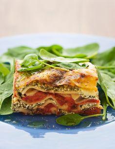 Această rețetă de lasagna cu legume, din cartea Mănâncă și arată bine - rețete sănătoase, rapide și apetisante pentru o viață mai frumoasă,de Andreea Raicu