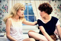 A gallery of 52 Sixteen Candles publicity stills and other photos. Featuring Molly Ringwald, Michael Schoeffling, Anthony Michael Hall, John Cusack and others. Best Teen Movies, Current Movies, 80s Movies, Sixteen Candles, Mean Girls, Molly Ringwald, The Breakfast Club, Teenage Years, American