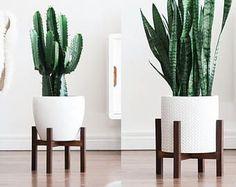 Mediados siglo moderna planta soporte con patas cuadradas, hechas a mano en Canadá, madera de nogal, Retro Home Decor