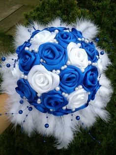 Bukiet ślubny recznie robiony dostępny w rożnych kolorach w atrakcyjnej cenie dostępny w salonie Julia Collection http://www.juliacollection.eu/