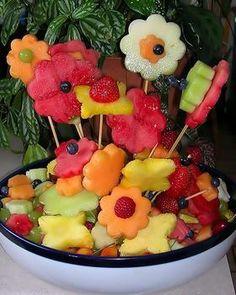 Frutas e Frutos: Espeto de frutas em forma de flor