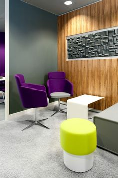 Thunderhead.com, London +++ furnished with Bene's PARCS Causeway, Club Chair and PARCS Pop-Up Stools