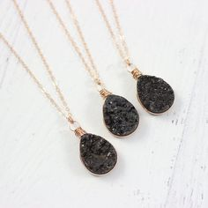 Black Druzy Teardrop Rose Gold Necklace Druzy Jewelry, Rose Gold Jewelry, Gemstone Necklace, Gold Necklace, Unique Necklaces, Handmade Necklaces, Handmade Bridal Jewellery, Druzy Quartz, Cute Necklace